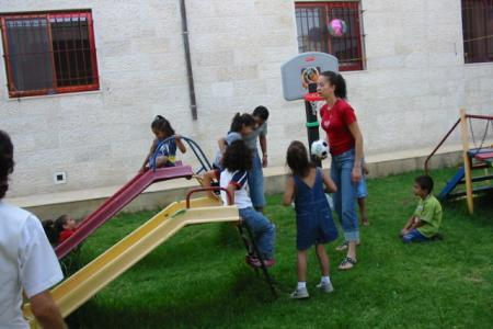 association amis-creche bethleem 2006-2007 Jardins enfants 3