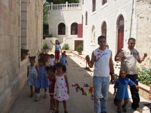 association amis-creche bethleem camp ete 25